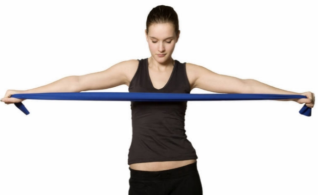 In Addition To Working Out The Muscles Your Shoulder Region Reverse Fly Also Strengthens Back For This Exercise Have Both Arms Fully Extended